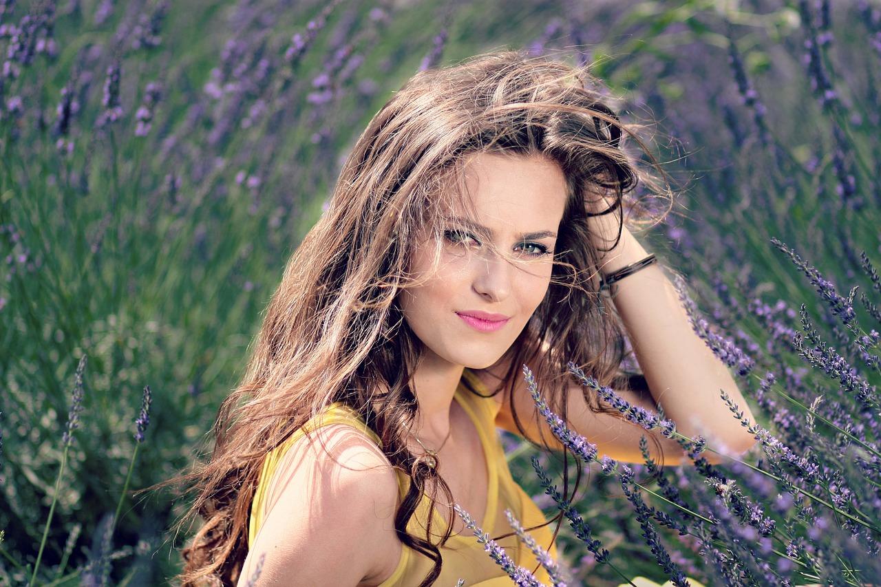 Pielęgnowanie zdrowia włosów o każdej porze roku